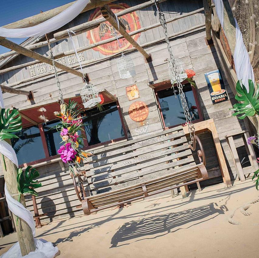 Beachbar aan het strand in Zandvoort