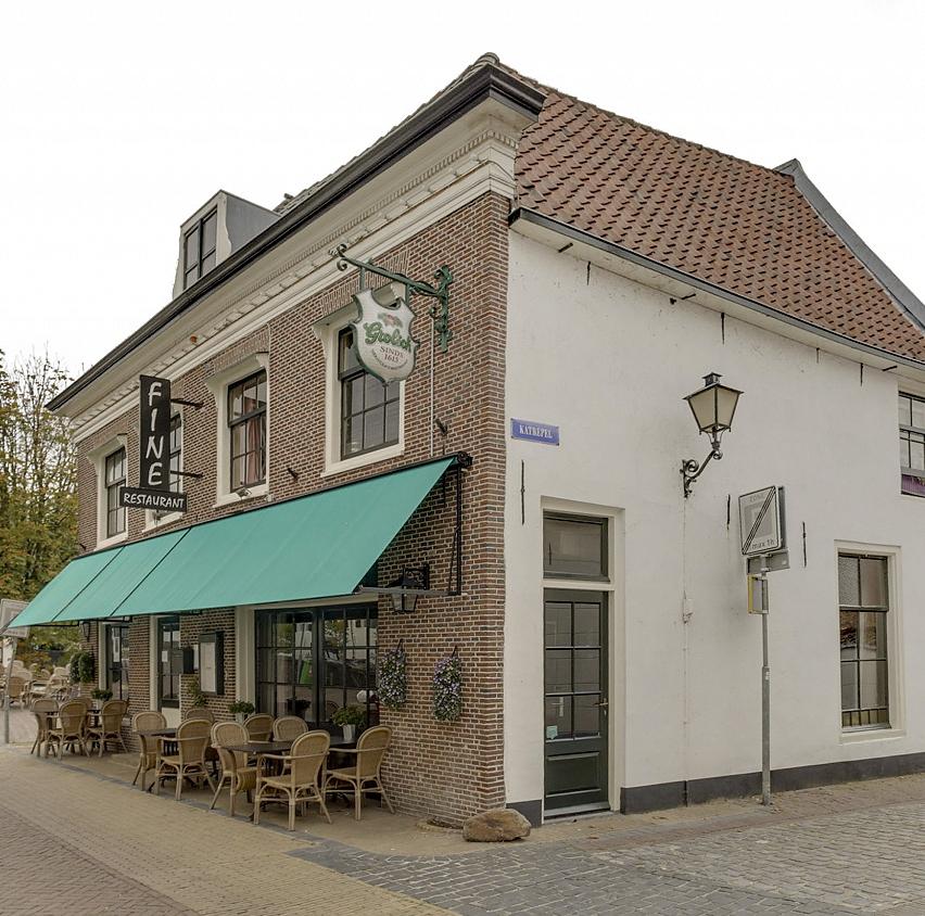 Café Restaurant met zonnig terras op hoeklokatie Het Gooi
