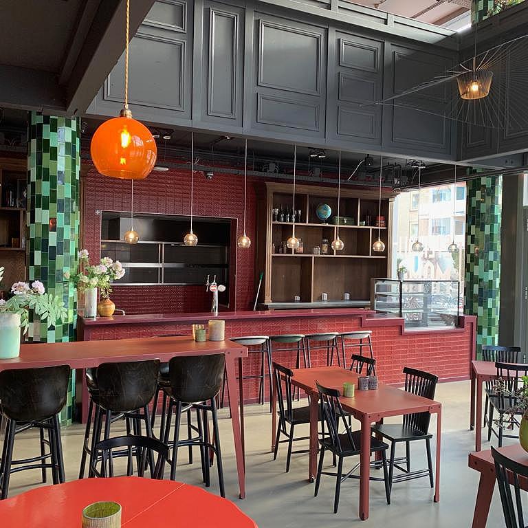 Restaurant op hoeklokatie Amsterdam West